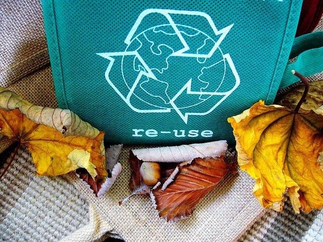 Dlaczego tworzywa należy poddawać recyklingowi ?